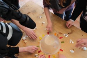 Spielerisch erlernen die Kids, wie sie sich in Online-Welten verhalten sollten, um sich nicht Gefahren wie soziale Ausgrenzung oder Mobbing auszusetzen. (Foto: ifnm)